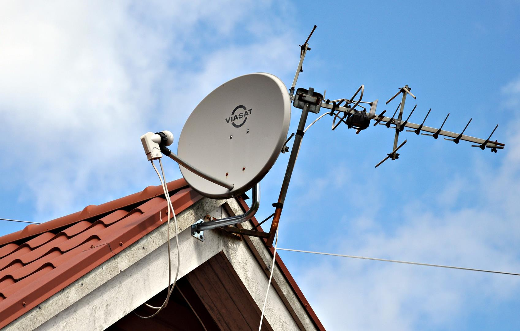 Viasat - service. - Gestrike antennservice