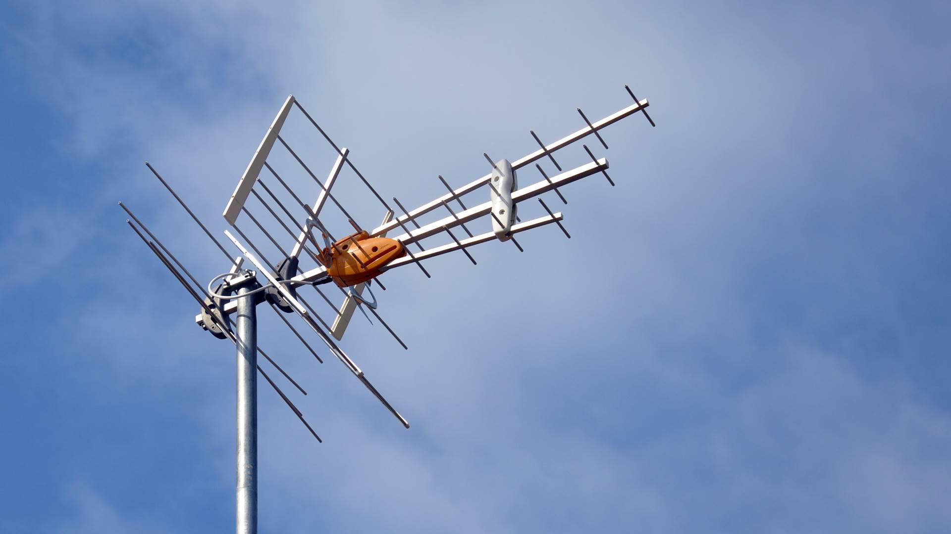 kan jag ansluta två TV-apparater till en antenntopp populära dejtingsajter